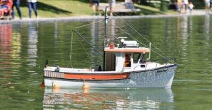 17 Factors in This Buying Guide For The Remote Control Fishing Boat